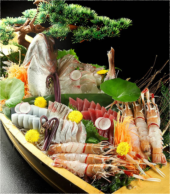 おすすめ魚介類の刺身盛り合せ